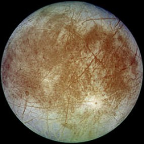 Por que a lua Tritão gira ao contrario do seu planeta Netuno?